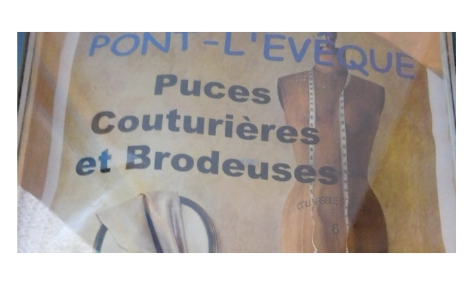 Maison Bleu Lin exhibits at Pont l'Evêque Puces des couturières on january 20th 9am-6pm